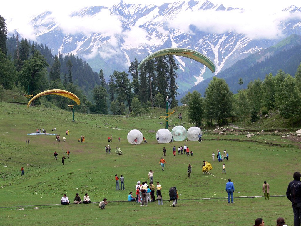 Camping in Solang Valley